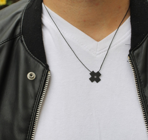 X SHAPE NECKLACE