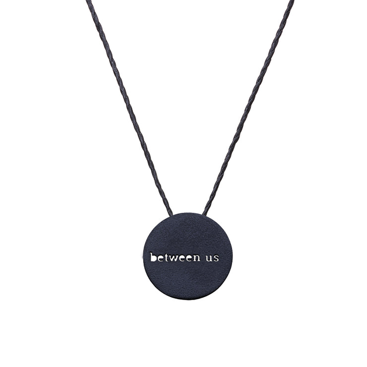 "CIRCLE ""BETWEEN US"" NECKLACE"