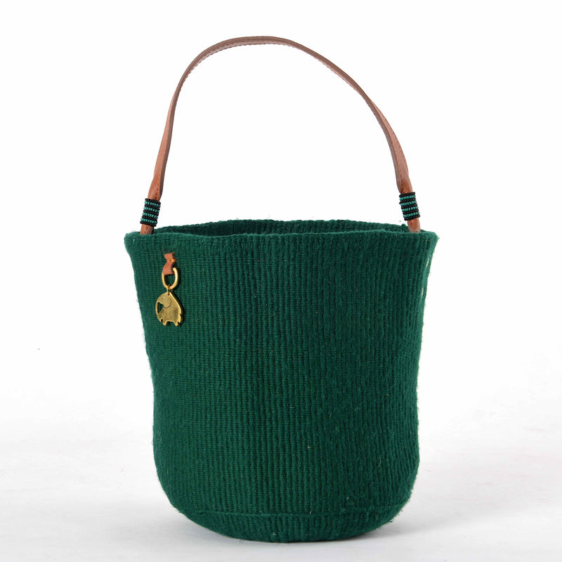 Handwoven Bucket Bag. Your sustainable and chic bag made from sustainable materials - Sisal, Recycled Wool, Leather and Maasai Beads