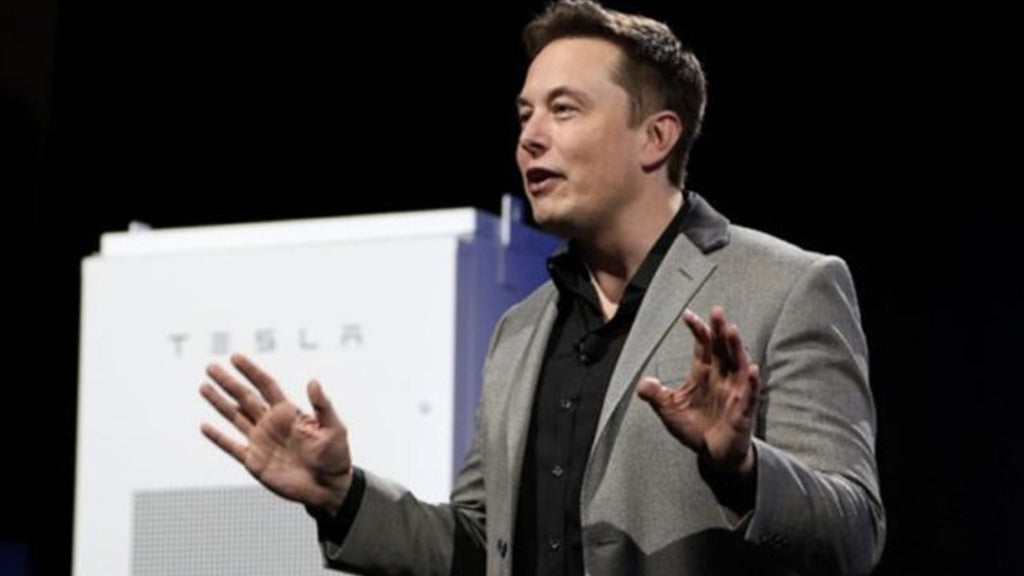Elon Musk (Tesla) wants to make a brain implant he is currently testing on .. a pig