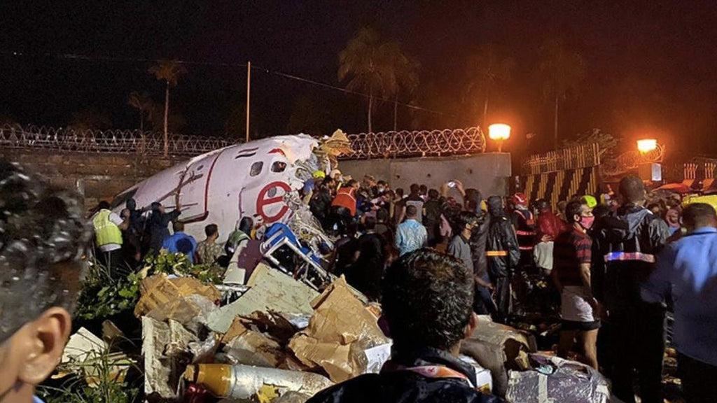 India: plane goes off runway and breaks in two, 17 dead and 138 injured according to provisional toll