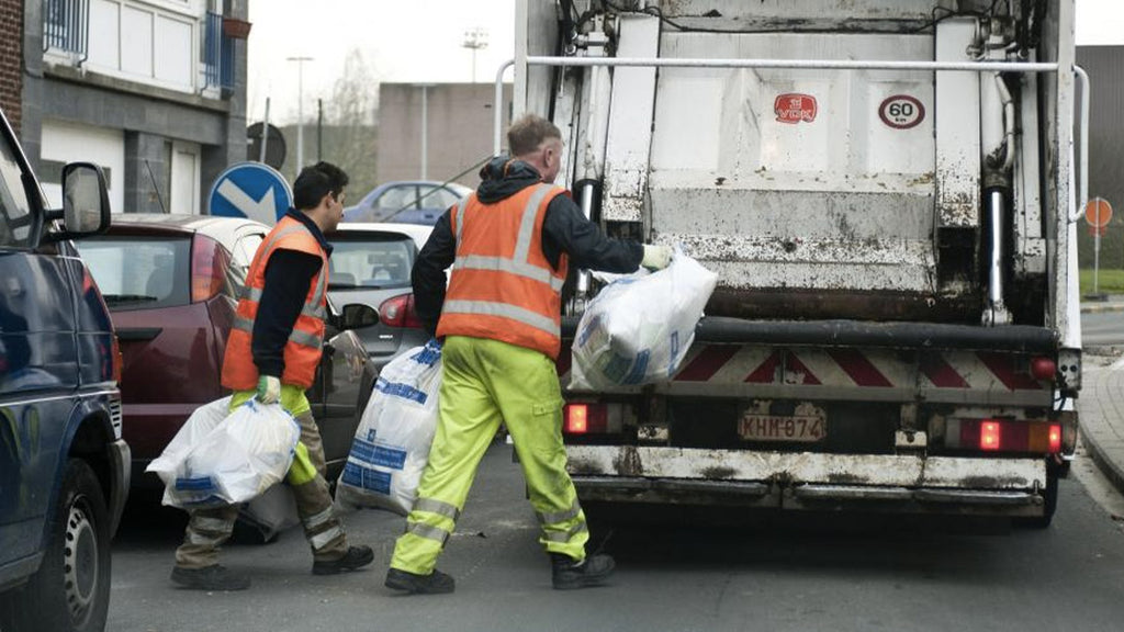 Two garbage collectors save the life of a 10-year-old girl in the United States: the girl had been kidnapped by a sex offender.