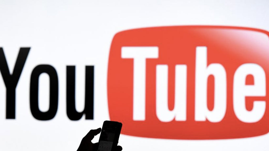 A hoax goes wrong: a 20-year-old YouTuber killed during a fake robbery