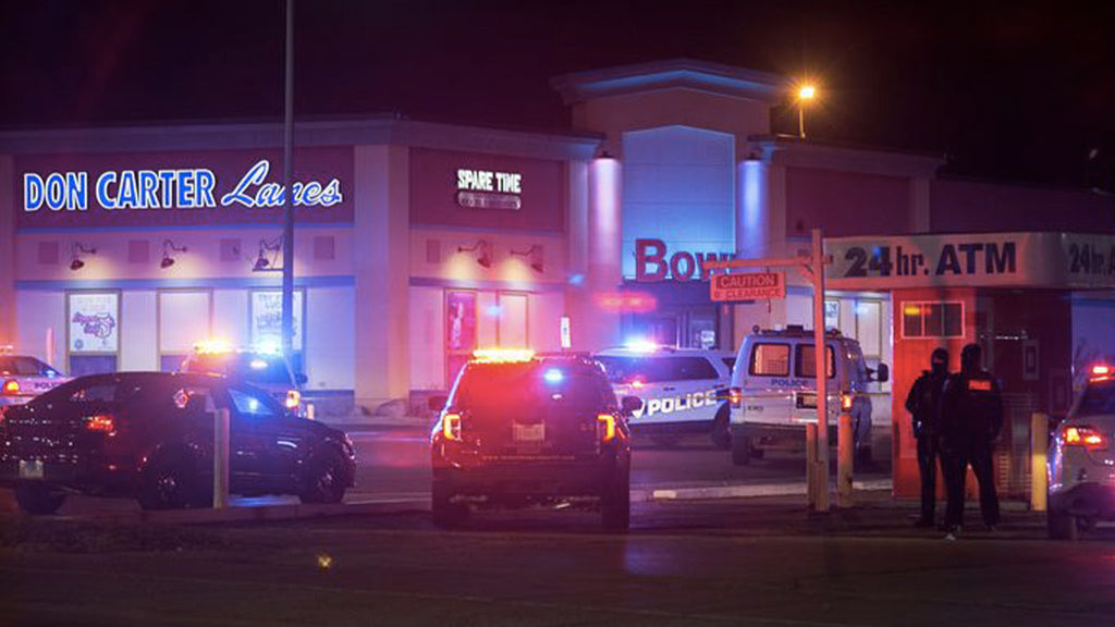 Rockford: man opens fire in bowling alley, kills three, injures three