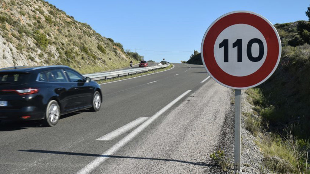 Limiting the speed to 110 km / h on motorways in France: good or bad idea?