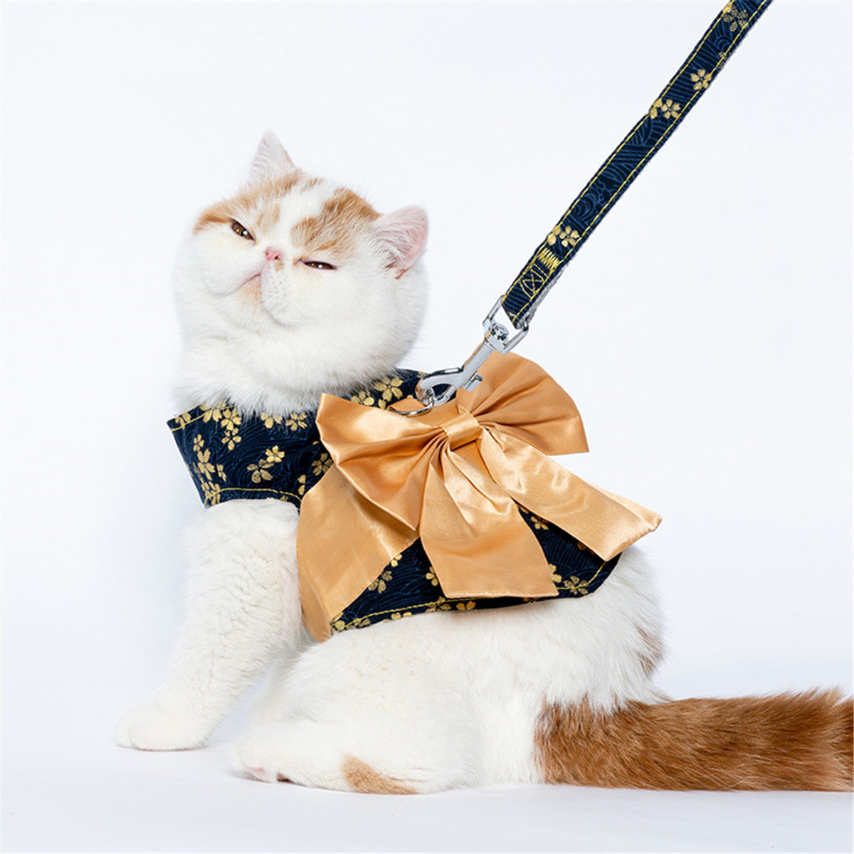 Japanese Style Cat Leash With Bow
