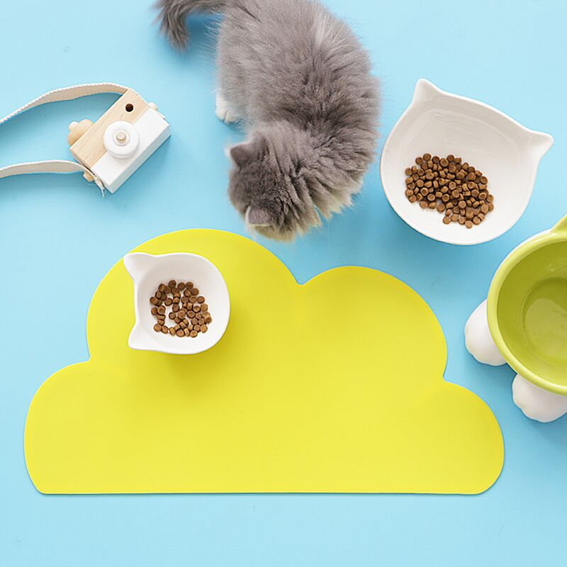 Cloud Shaped Waterproof Silicone Pet Feeding Mat - happyandpolly