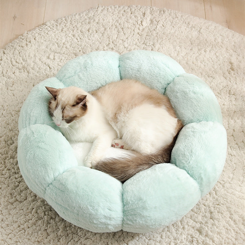 Flower Shaped Plush Cat Mat Bed
