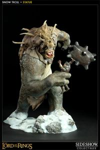 Sideshow Collectibles Lord Of The Ring Statue - Snow Troll - Simply Toys