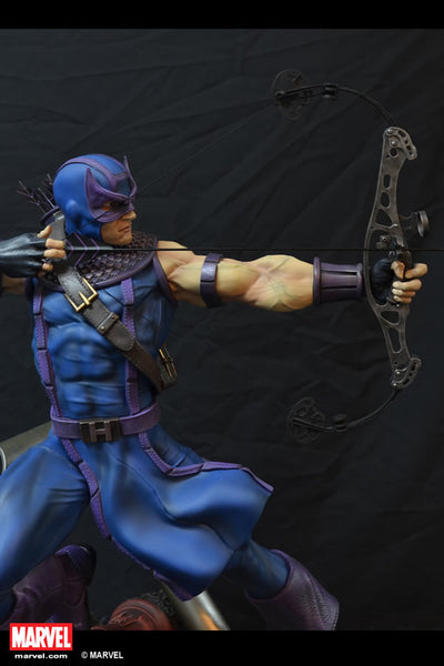 XM Studios 1/4 Scale MARVEL Premium Collectibles Statue - Hawkeye (Limited 800 Pieces) - Simply Toys