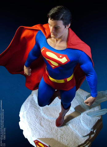 Toynami Cinemaquette Man of Steel - Superman (Limited 1,000 pieces) - Simply Toys