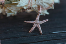 Load image into Gallery viewer, Queen of the sea starfish necklace