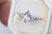 Load image into Gallery viewer, Pale pink pear umba sapphire five stone ring, romantic engagement ring