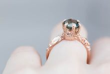 Load image into Gallery viewer, Solitaire queen of the sea ring, green sapphire