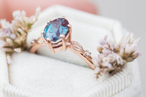 Oval Chatham alexandrite leaf ring, oval engagement ring, alexandrite ring, engagement ring, unique engagement ring, nature ring, leaf ring