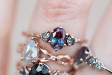 Load image into Gallery viewer, Oval alexandrite and grey diamond three stone ring