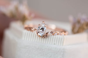 Pear moissanite leaf engagement ring, unique engagement ring, moissanite ring, pear ring, diamond alternative, leaf ring, nature jewelry
