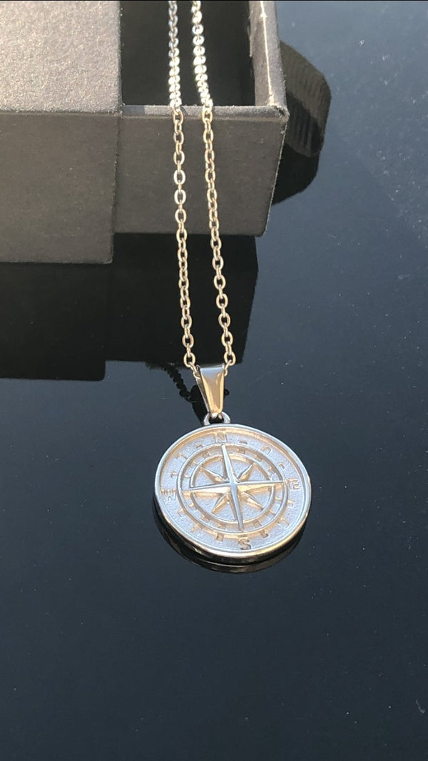 White Gold Compass Pendant 18K - Foreign Jewels