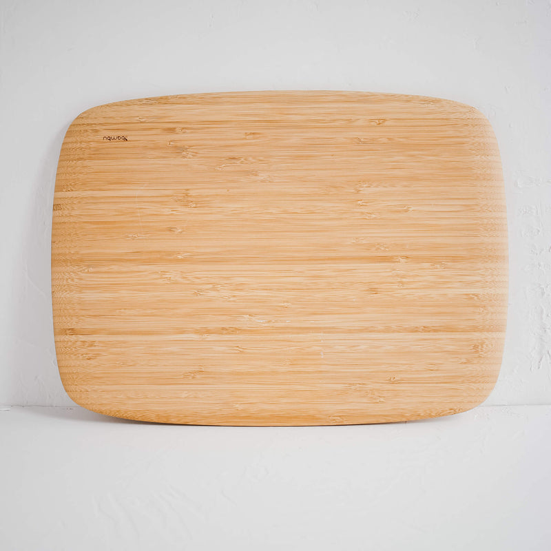 Classic Cutting & Serving Board in Large