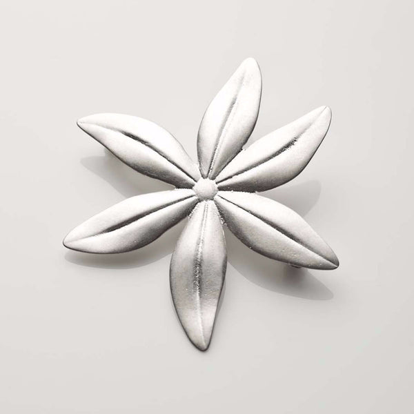 ladies brooch flower silver made in Ireland