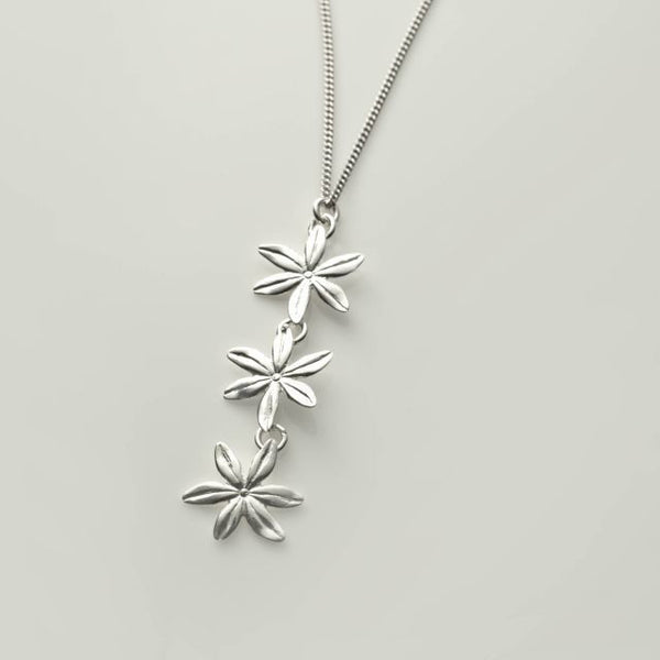 3 flower necklace silver front