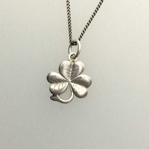 My lucky shamrock tiny pendant in silver