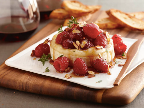 Baked Brie Cheese with Raspberries and Almonds