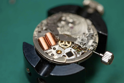 Smoothest Sweeping Hand on a Watch -- Seiko Spring Drive Movement