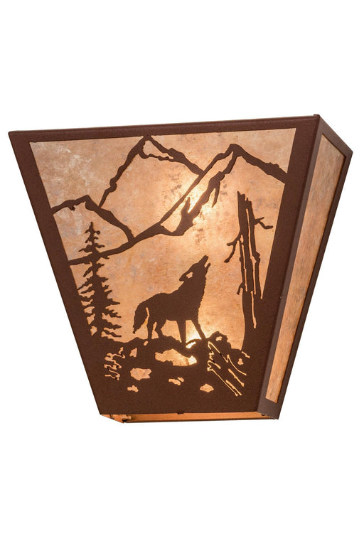 13 Inch W Northwoods Wolf On The Loose Wall Sconce
