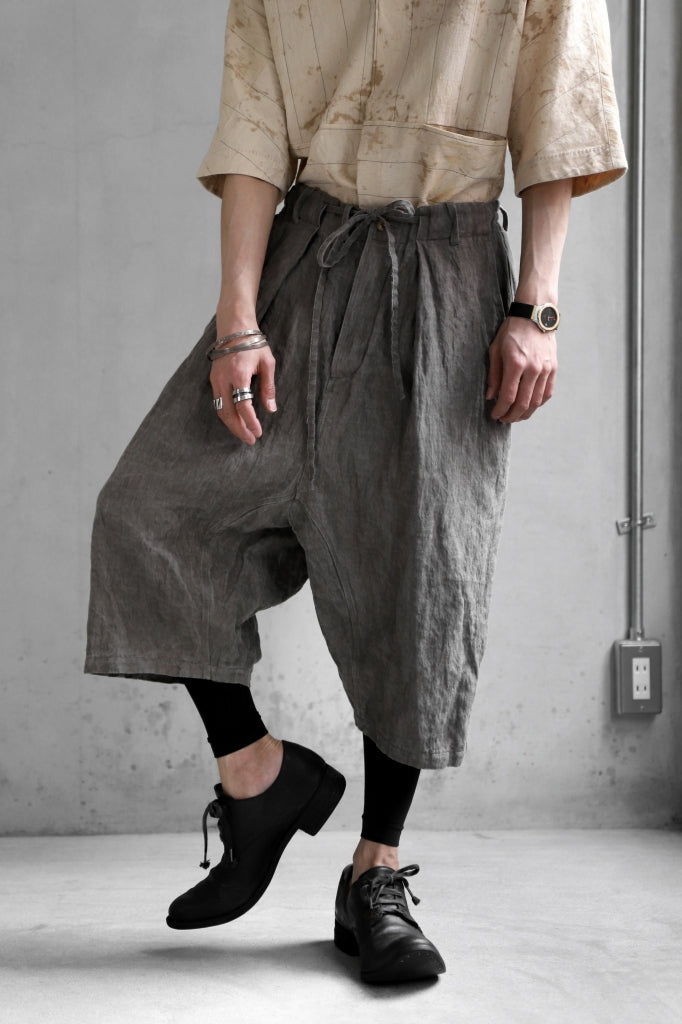[ Pants ] forme d'expression exclusive Tailored Sarouel Pants Price / ¥83,600 - (in tax) Size / S,M (/Fitting;S) Color / Dust Material / Woven (Cotton,Ramie,Metal)