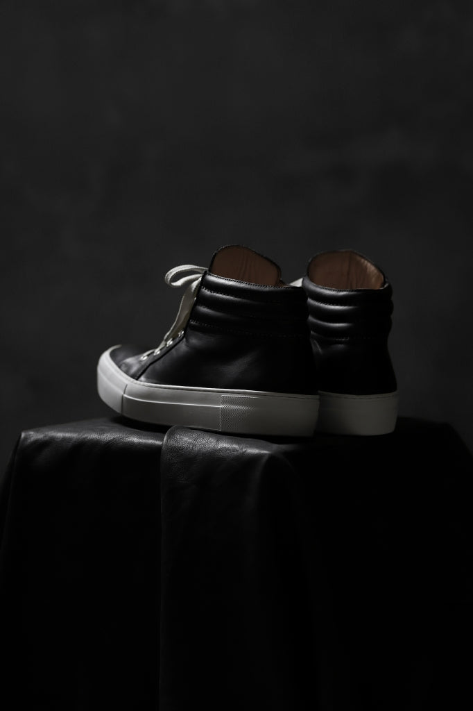 incarnation HIGHTOP SNEAKER / HORSE HAND-DYED (BLACK x WHITE)