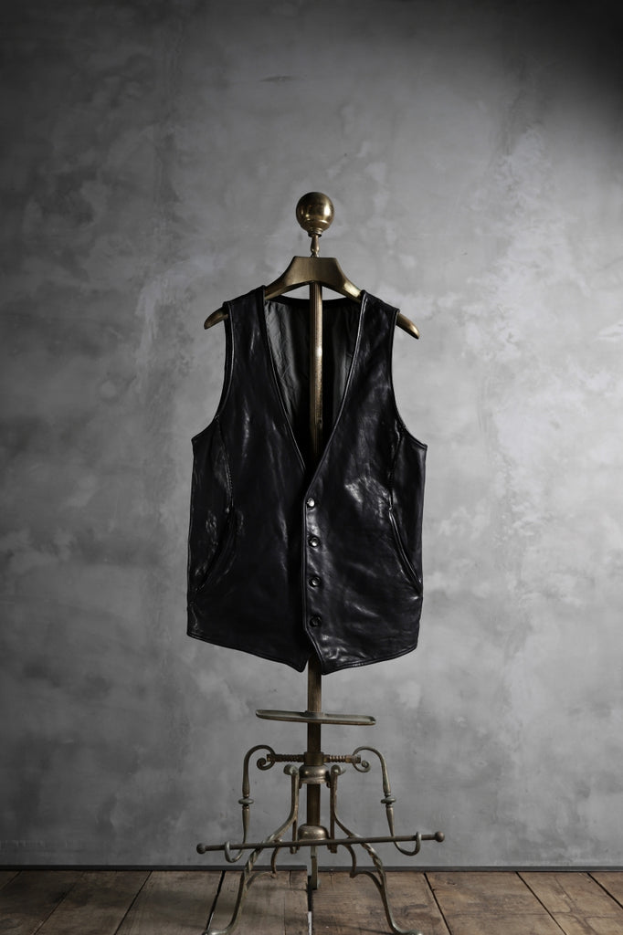 incarnation HORSE LEATHER 4 BUTTON VEST / OBJECT DYED