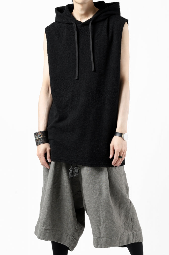 ISAMU KATAYAMA BACKLASH SLEEVELESS HOODIE CUT & SEWN