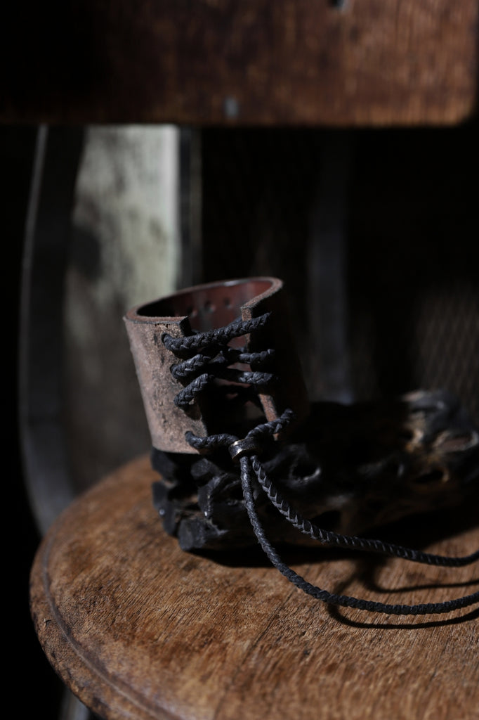 BLOW by JUN UEZONO exclusive HANDGRAVING LEATHER BRACELET