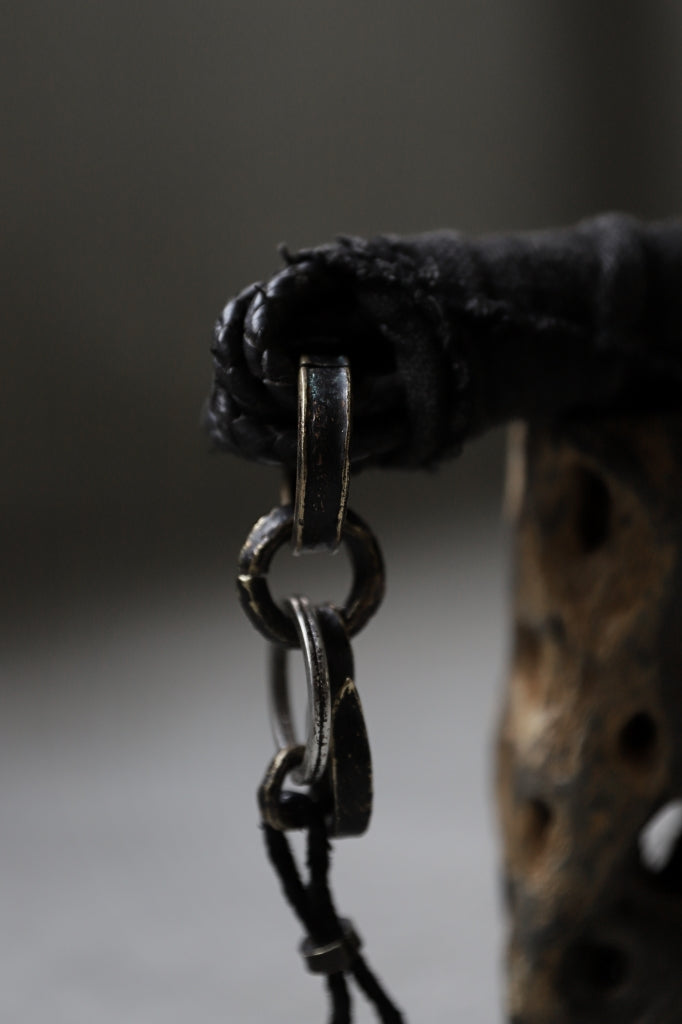 """BLOW THE WILD BRASSES HANDFORGED by JUN UEZONO """"ASH CORDS KEY HOLDER"""" Price / ¥77,000 - (in tax) Size / Free Material / Wild Brass, Natural Bluerusted Copper, Ashdyed Linen, Stainless Key Ring"""