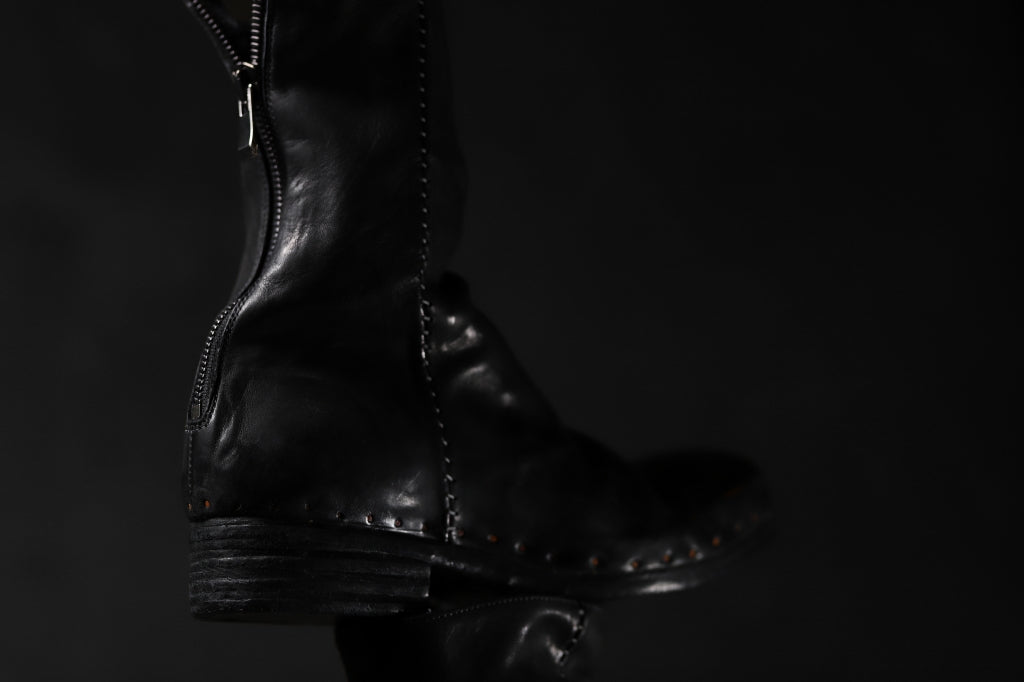 incarnation exclusive HORSE LEATHER NAILED BACK ZIP BOOTS