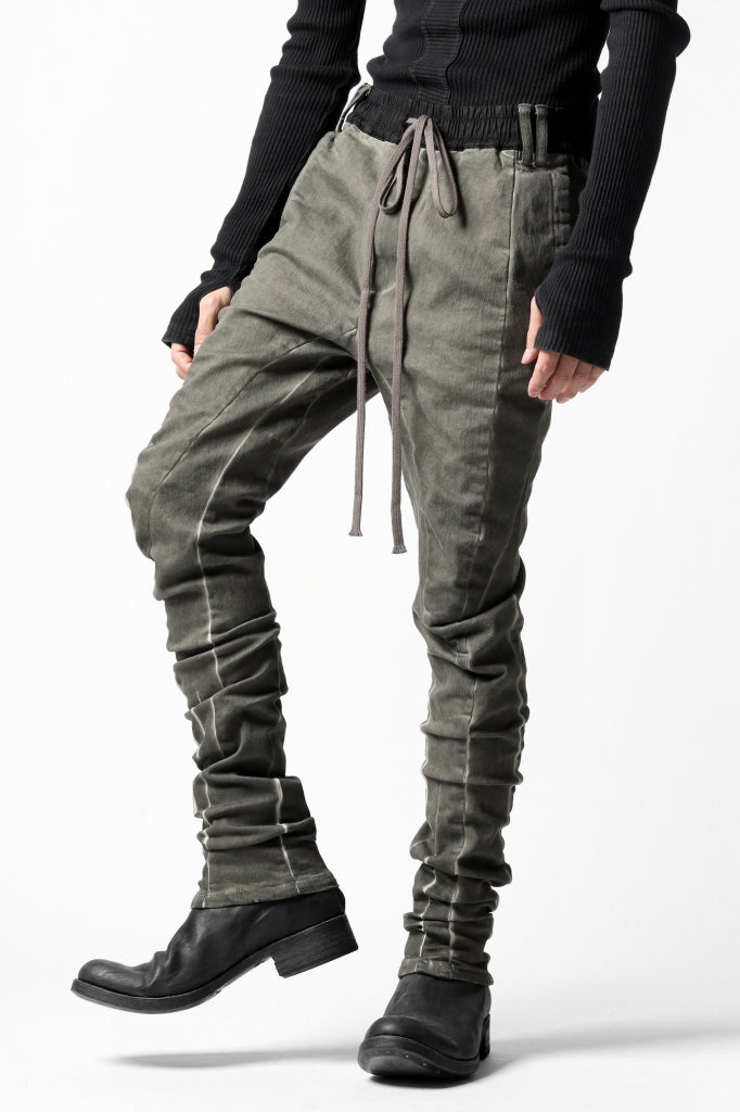 A.F ARTEFACT ANATOMICAL FITTED LONG PANTS