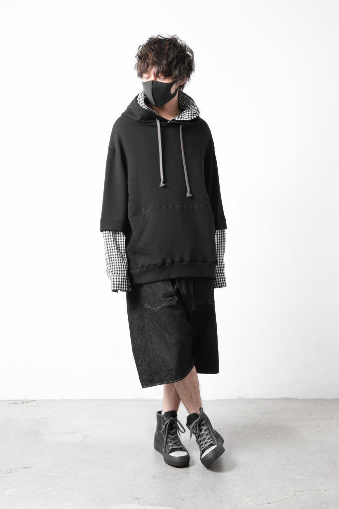 """[ Hoodie ] A.F ARTEFACT """"LAYERED"""" SWEATER SHIRT HOODIE Price / ¥28,600 - (in tax) Size / 2,3 (*Fitting;2) Color / Black×White Check Material / Sweat+Block Check Cloth (Cotton+Cotton,Linen)  --  forme d'expression exclusive Utility Burmudaforme d'expression exclusive Utility Burmuda  [ Pants ] forme d'expression exclusive Utility Burmuda Price / ¥78,100 - (in tax) Size / S,M (/Fitting;S) Color / Jeans Material / Elastic Denim (Cotton,Elastane)  --  incarnation exclusive HIGH CUT LACE UP SNEAKER / HORSE FULL GRAIN (PIECE DYED BLACK)incarnation exclusive HIGH CUT LACE UP SNEAKER / HORSE FULL GRAIN (PIECE DYED BLACK)   [ Shoes ] incarnation exclusive HIGH CUT LACE UP SNEAKER / HORSE FULL GRAIN (PIECE DYED BLACK) Price / ¥Open Price (販売価格はお問合せ下さいませ) Size / 41, 42 Color / Piece Dyed Black Material / (Horse Leather)  -  Loud Style Design - GET IN THE RING """"ARABESQUE"""" SILVER BANGLELoud Style Design - GET IN THE RING """"ARABESQUE"""" SILVER BANGLE  [ Bracelet-R ] Loud Style Design - GET IN THE RING """"ARABESQUE"""" SILVER BANGLE Price / ¥57,200 - (in tax) Size / Free Material / (Sterling Silver)  --"""