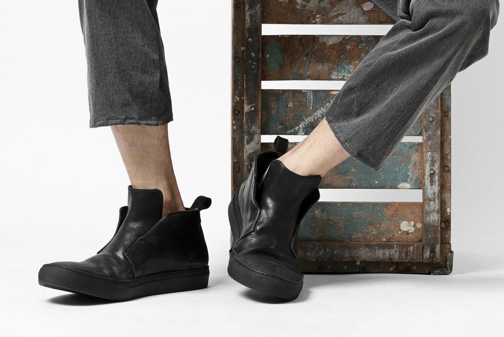 incarnation exclusive HIDDEN LACED SNEAKER / HORSE FULL GRAIN (PIECE DYED ALL BLACK)