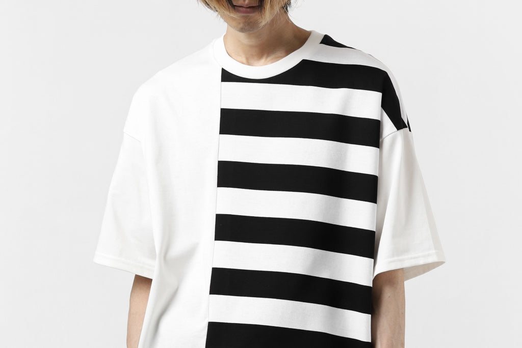 """A.F ARTEFACT """"DIVISION"""" BOXY FIT TEE  (WHITE x STRIPE)"""