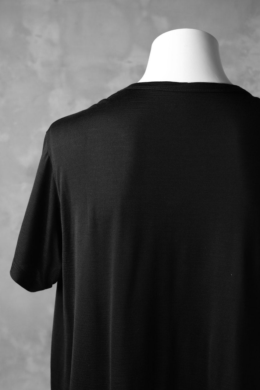 Load image into Gallery viewer, COLINA WASHABLE SILK TEE (BLACK)