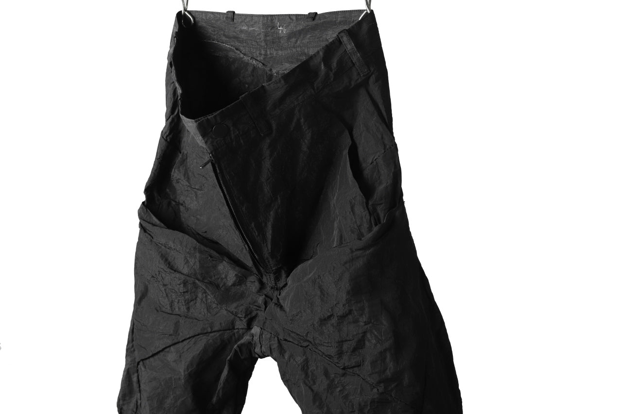 LEON EMANUEL BLANCK FORCED 6 POCKET CROPPED PANTS / SHAPE MEMORY METAL (BLACK)