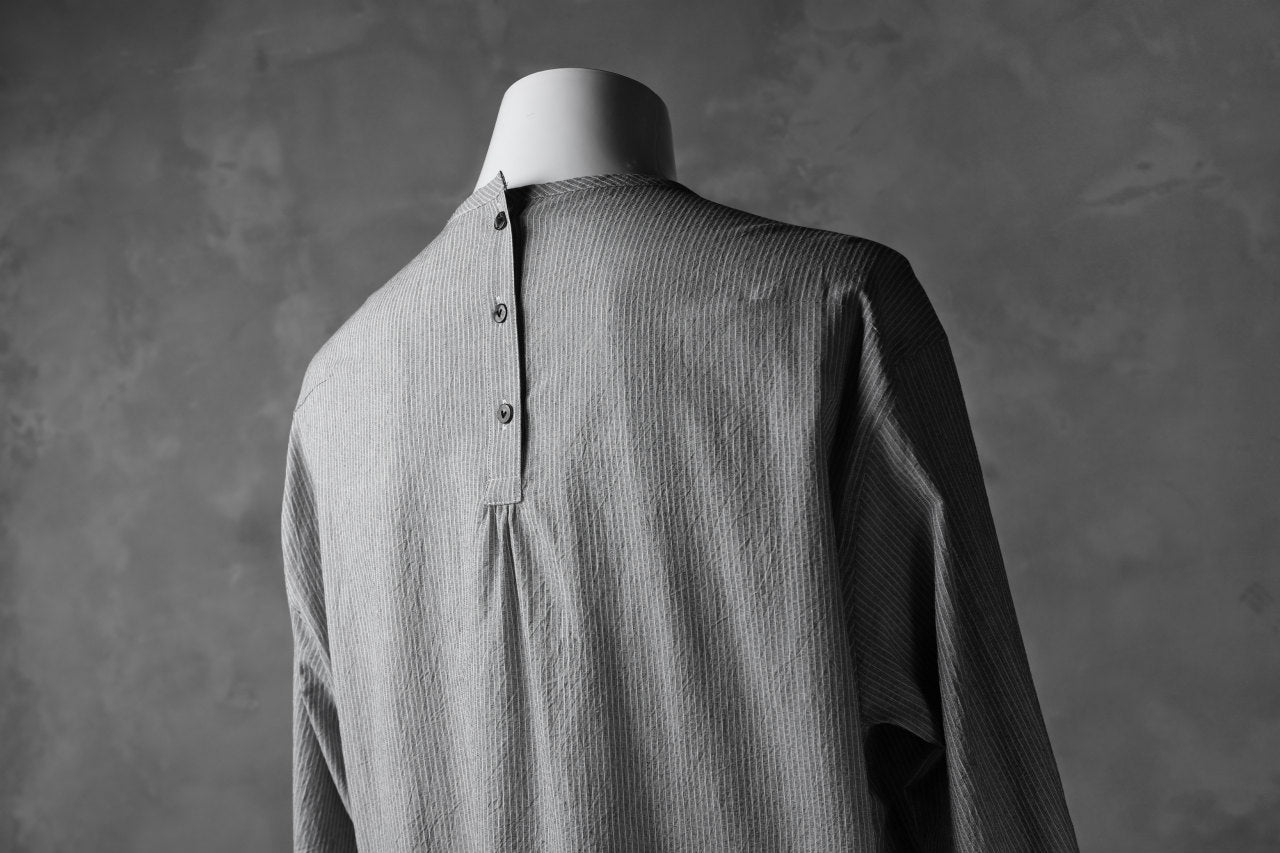 The Viridi-anne NO COLLAR RELAXED SHIRT / SALT SHRINKAGE STRIPE