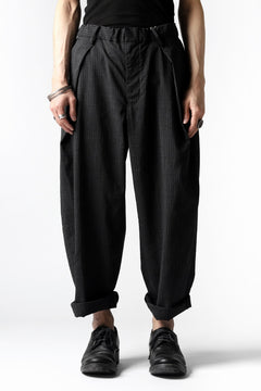 画像をギャラリービューアに読み込む, COLINA W-TUCK PANTS / WASHABLE WOOL TROPICAL (STRIPE)