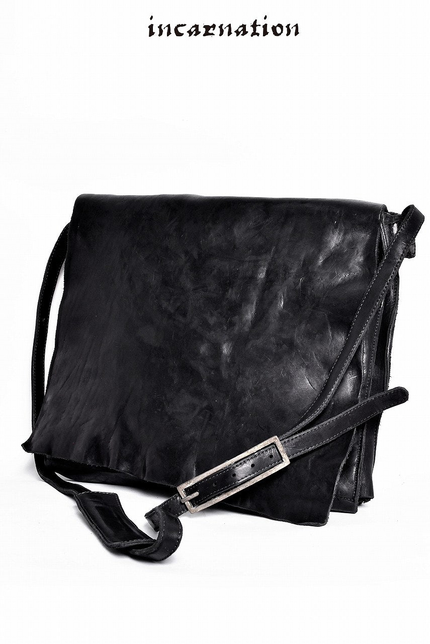 "incarnation garment dye ""CALF SHOULDER"" ENVELOPE SHOULDER BAG"