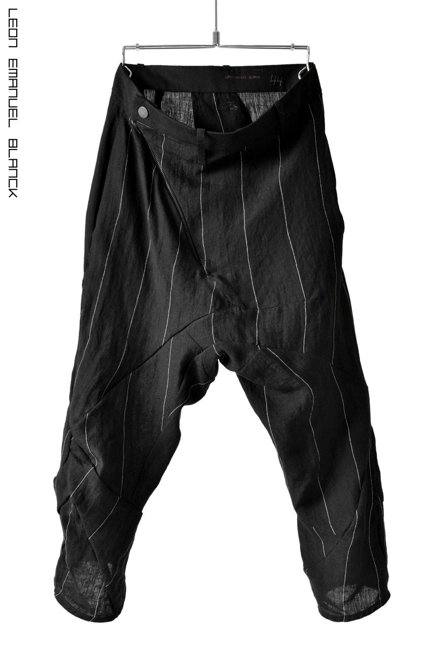LEON EMANUEL BLANCK DISTORTION 3QUARTER CHEM CROPPED PANTS / PINSTRIPE (BLACK)