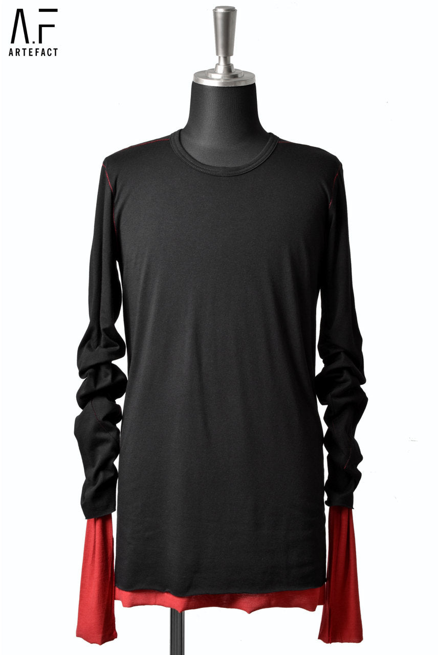 A.F ARTEFACT REVERSIBLE LAYERD LS TOPS (BLACK×RED)