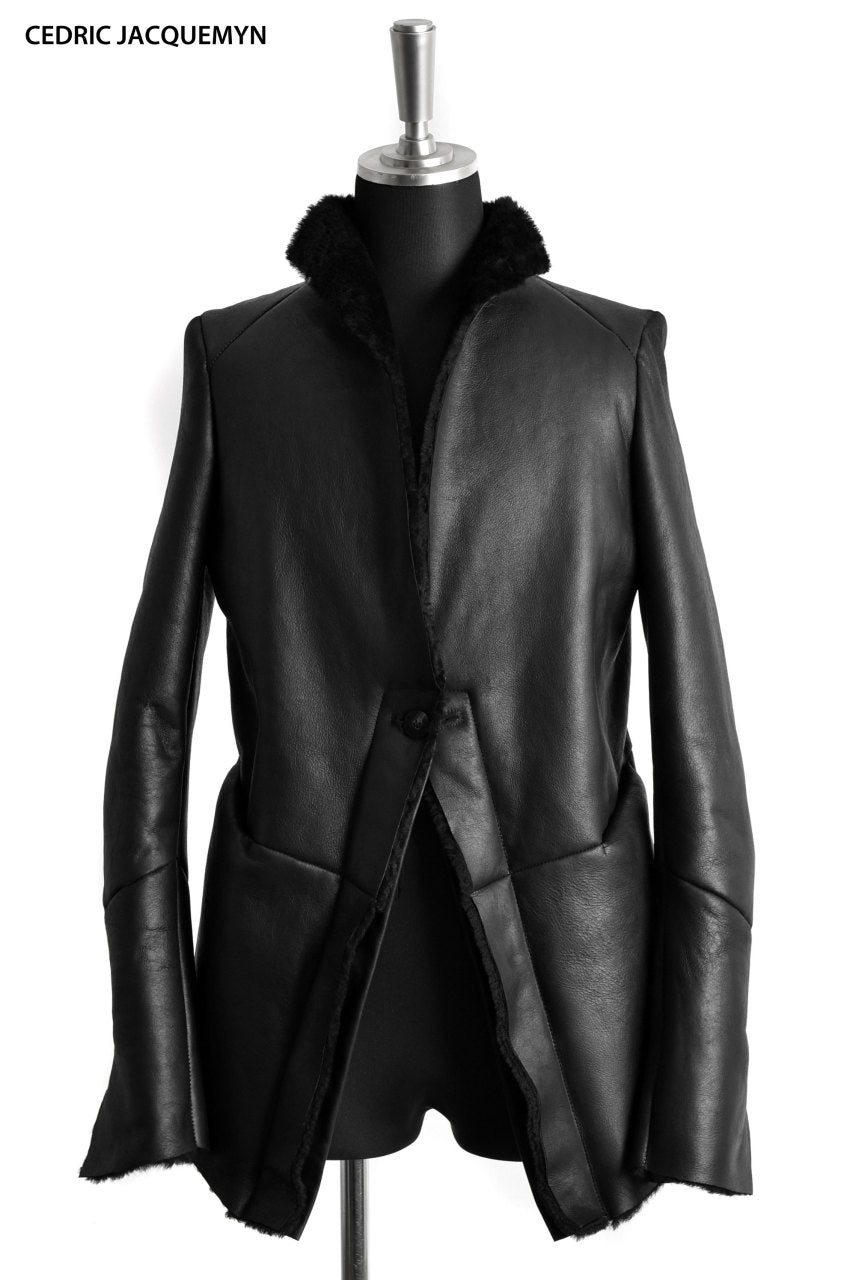 CEDRIC JACQUEMYN  MOUTON RAW COLLAR SUIT JACKET LONGER (BLACK)