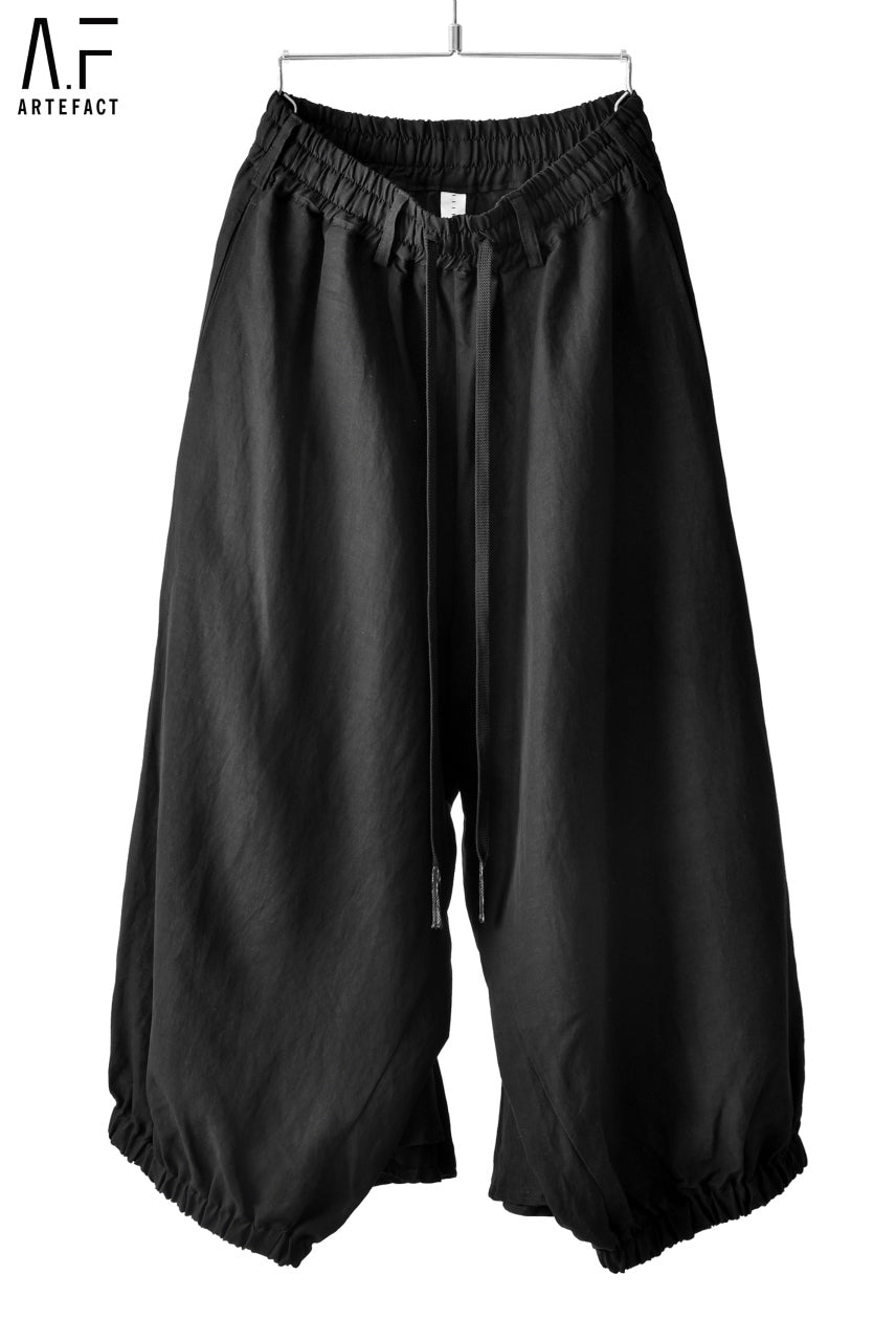 A.F ARTEFACT BACK FLARE WIDE PANTS