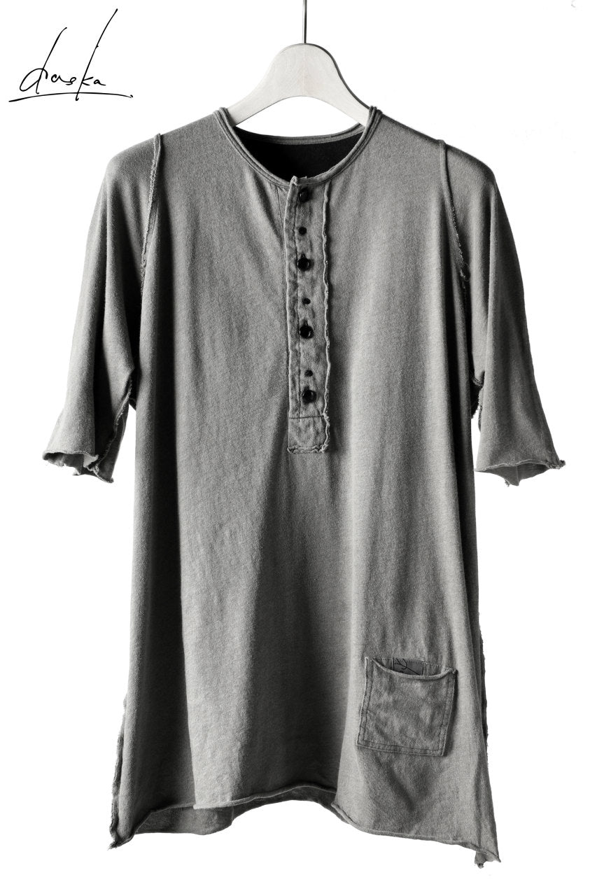 daska (T-02) buttoned reversible tee (SUMI)